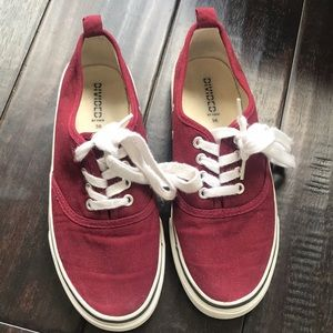 Divided by H&M maroon sneakers